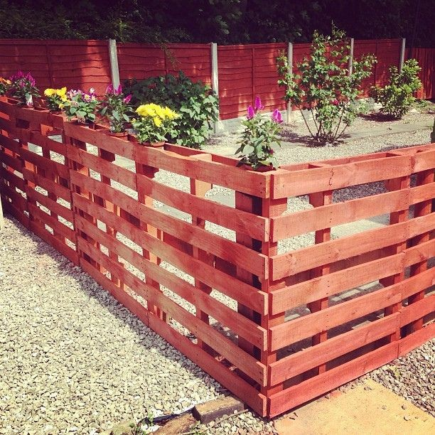 A fence made up of pallets