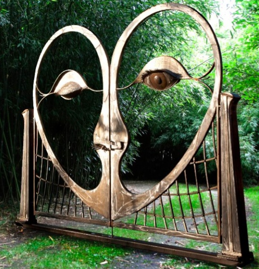 Amazing winking eye metal gate