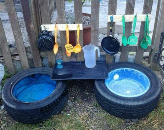 Mud Kitchen mad from tyres