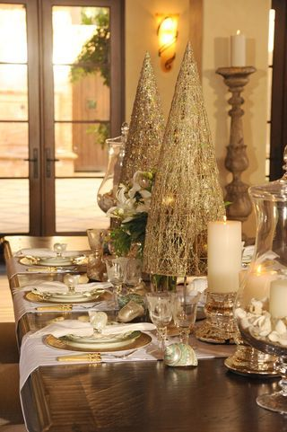 Beautiful Christmas Table Scapes