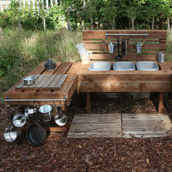 10 Inspirational Mud Kitchen Ideas