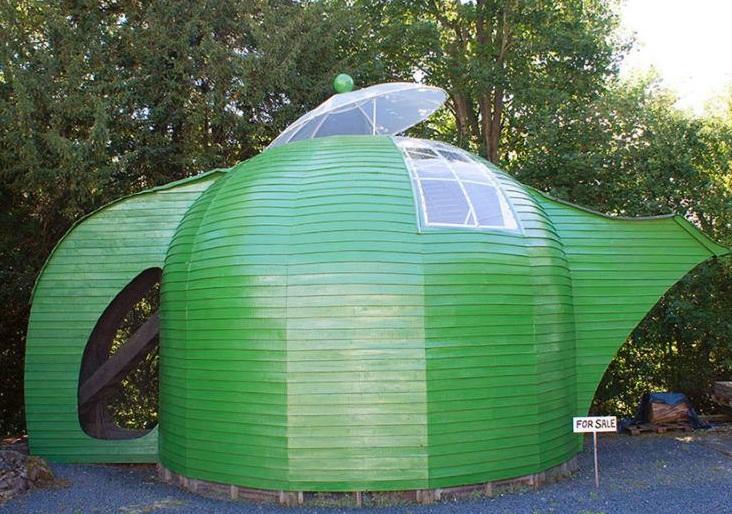 Green shed looks like a tea pot